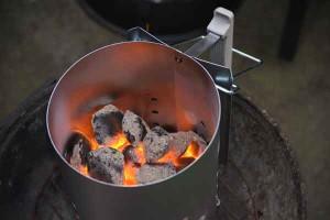 Allume-feu cheminé pour barbecue au charbon de bois
