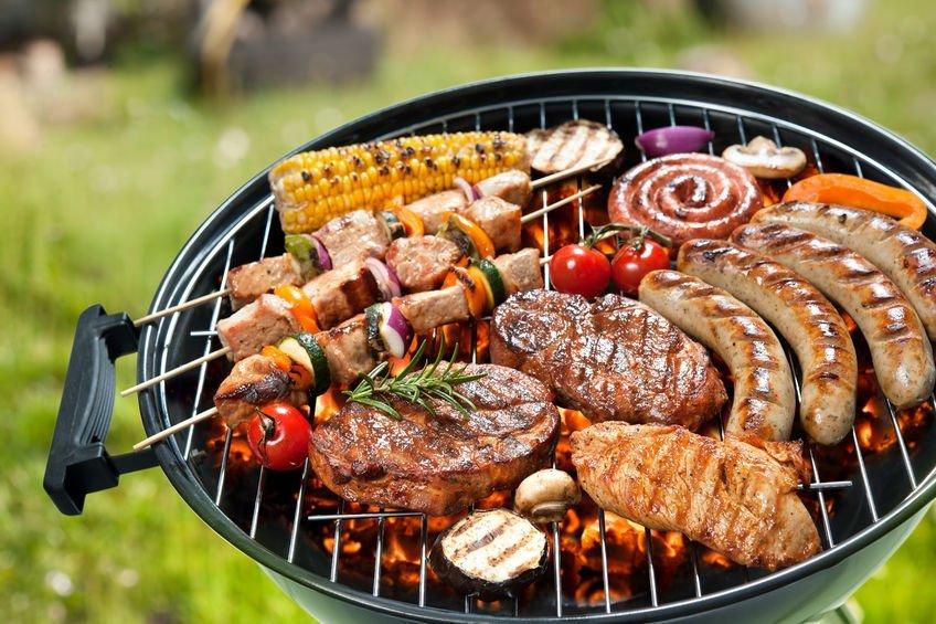 Les meilleurs bois pour fumer la viande sur le barbecue for Quelle viande pour un barbecue