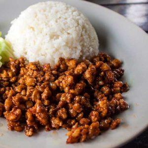 viande d'autruche hachée avec riz