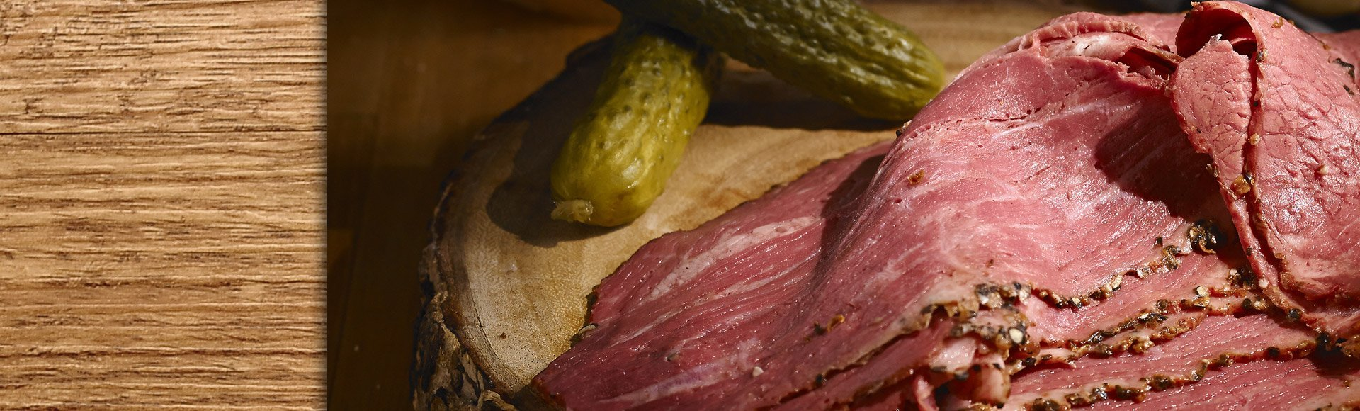 Bison smoked meat sliced